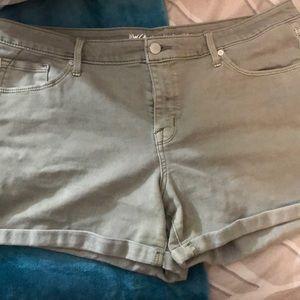 Cut off jean shorts 16